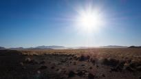 Morgensonne über der Namibwüste